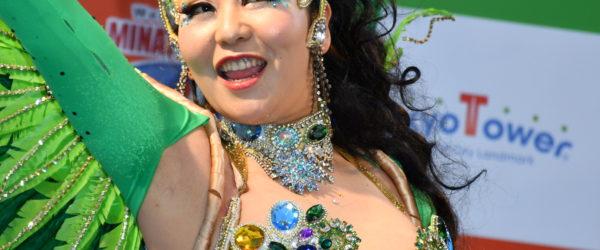 サンバチーム「ブロコ・アハスタォン」が港区ワールドカーニバルで熱演