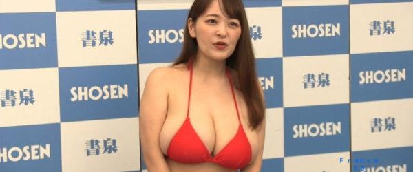 柳瀬さきが4年ぶりの写真集でお尻を解禁 「生まれたての赤ちゃんのように…」